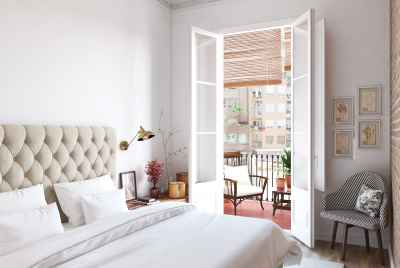 Cozy bright apartment in the centre of Eixample district of Barcelona
